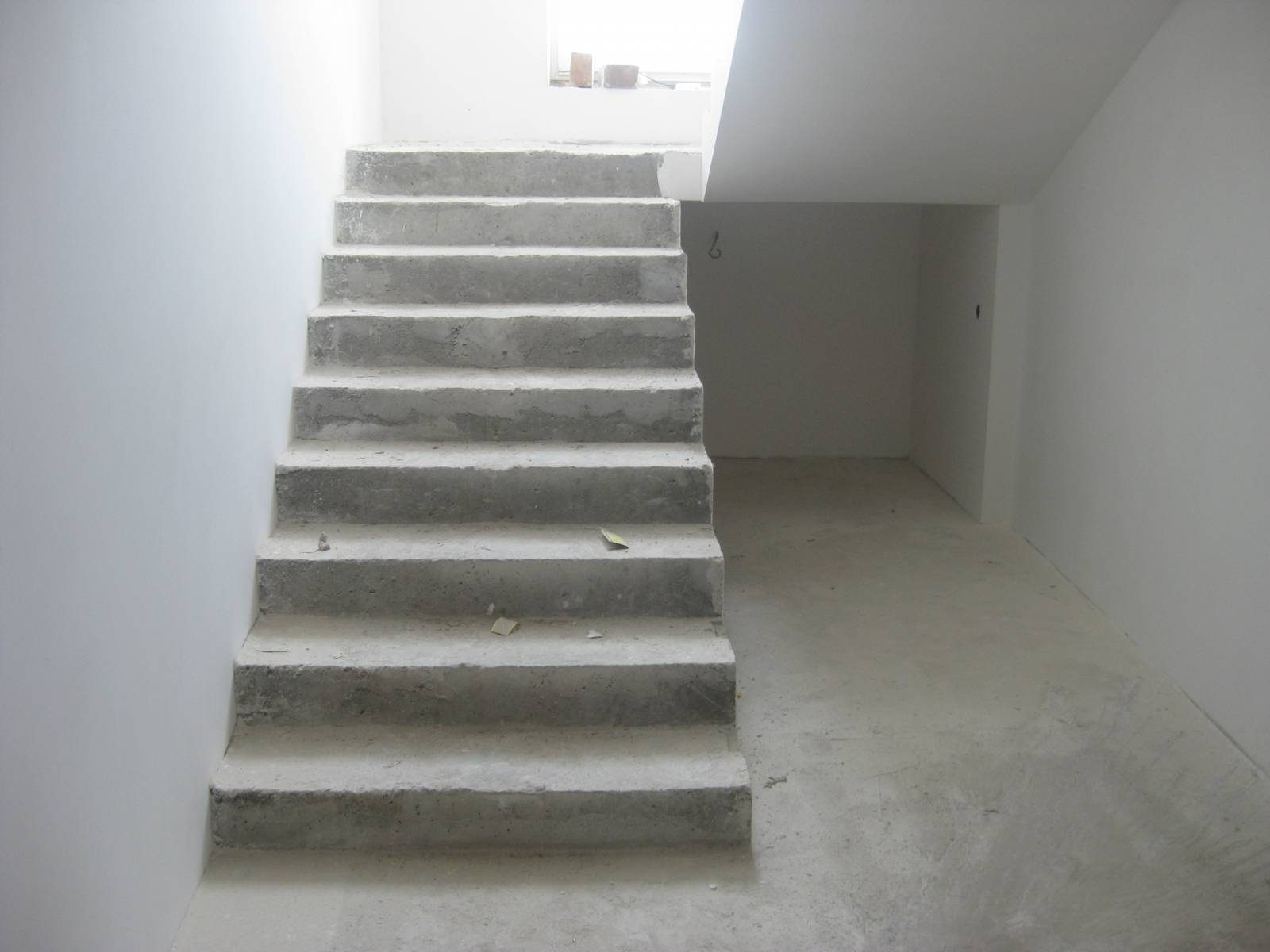 photo-beton-lestnicy-tretiy-etazh-11